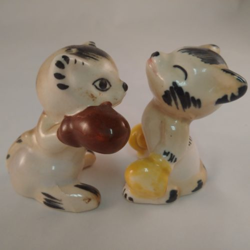 Vintage Boxing Kittens Salt & Pepper